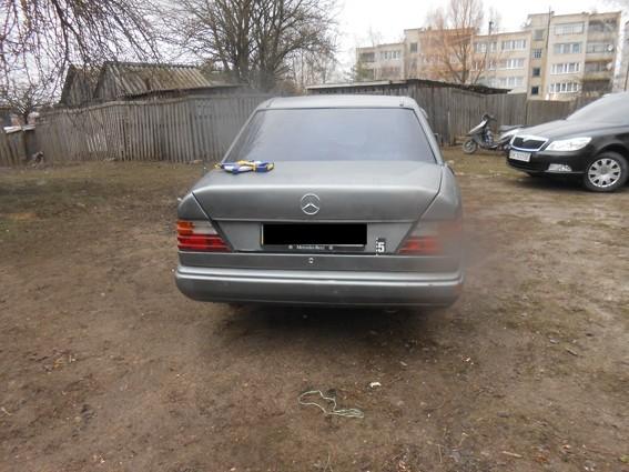 На Рівненщині чоловік загинув під колесами власного авто (ФОТО)