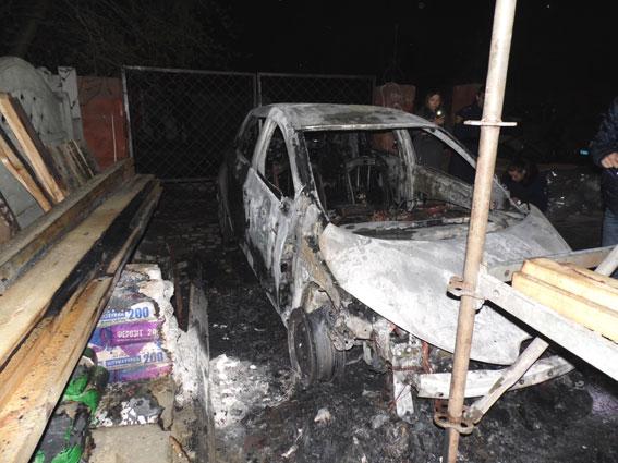 У Рівному згоріла автівка заступника голови ОДА (ОНОВЛЕНО)