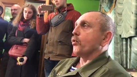 """Чи """"мінуватимуть"""" сесію Рівнеради? """"Активіст"""" Пандрак """"пропихатиме"""" львівське сміття у Рівне."""