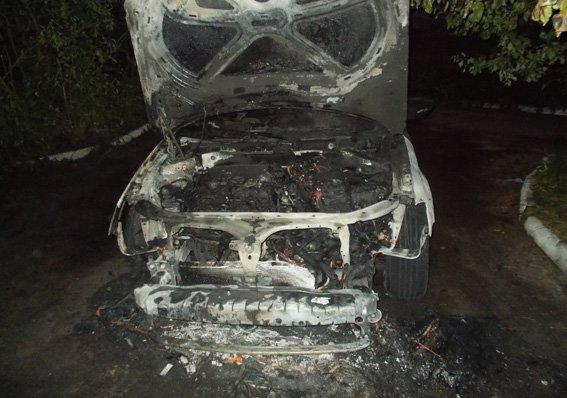 На Рівненщині знову палають автомобілі
