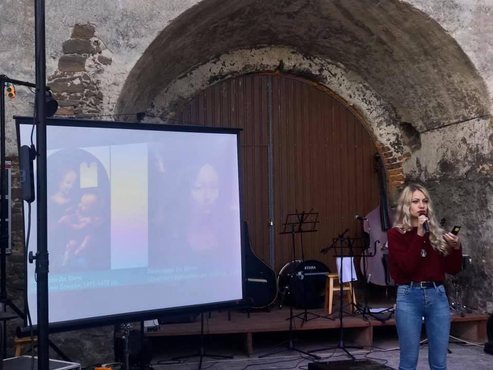 Фестиваль Барбакан в Острозі: гурт із Дніпра, український DJ-сет та фаєр-шоу – фото