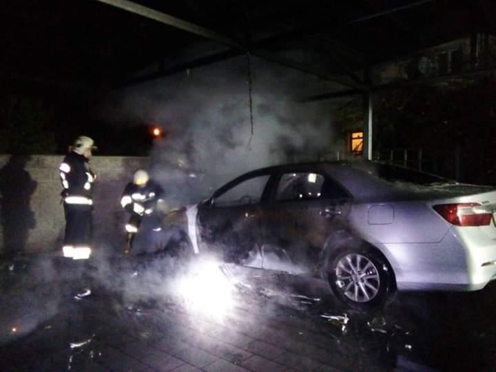 В Рівному спалили чергове елітне авто