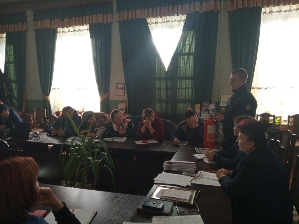 ДСНС Рівненщини проводить масові навчання