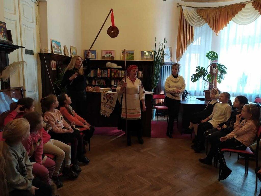 В Рівненській обласній бібліотеці для дітей провели Андріївські вечорниці