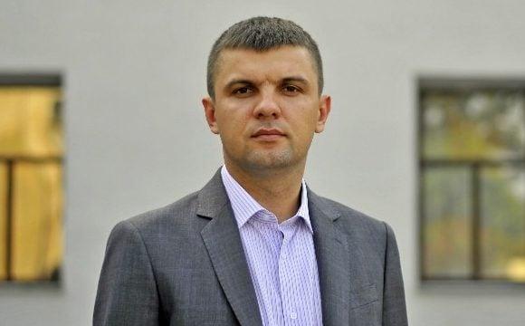 Ігор Гузь вимагає у Іванісова покинути Парламент