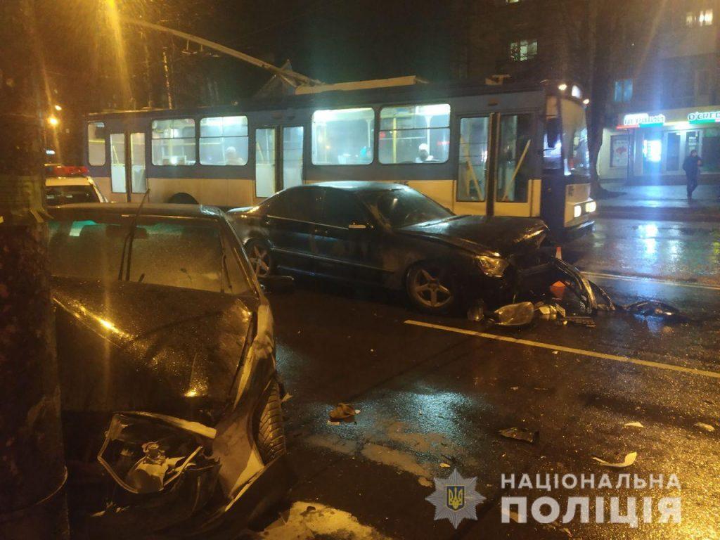 В ДТП в Рівному зіткнулися 2 авто, один пасажир постраждав