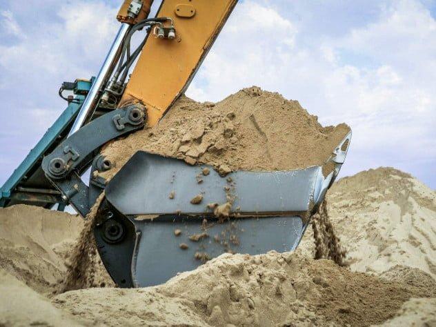 В Демидівській громаді борються з нелегальним видобутком піску