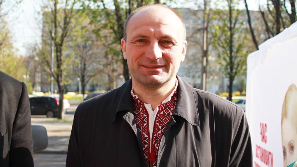 Мер Черкас Анатолій Бондаренко прийшов на допит в поліцію