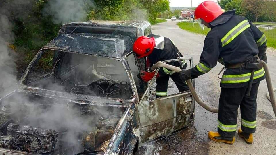 """На трасі """"Київ-Чоп"""" згорів автомобіль """"Renault"""""""