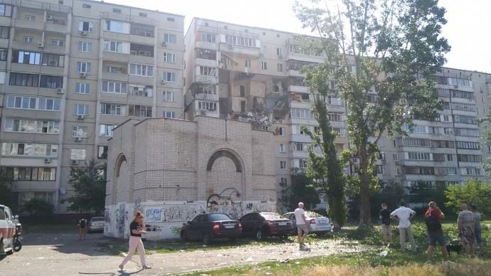 Вибух на Позняках: демонтаж пошкодженого під'їзду затягнеться