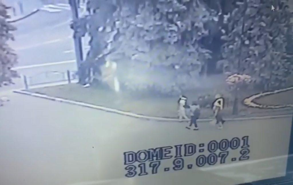 Луцький терорист відпустив трьох заручників – в мережі з'явилося відео