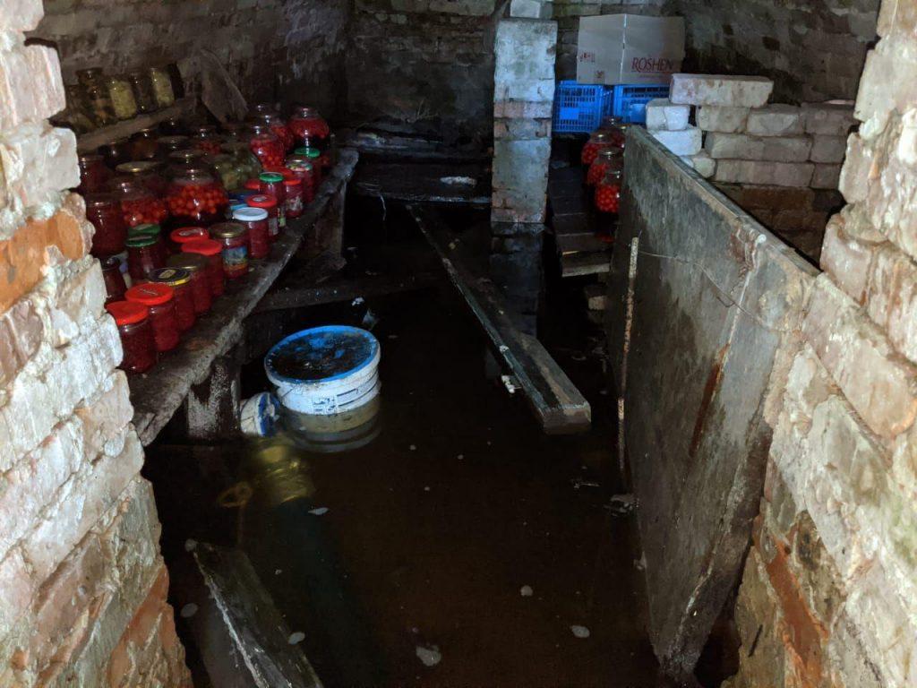 Млинівські рятувальники відкачували воду з приватних домоволодінь
