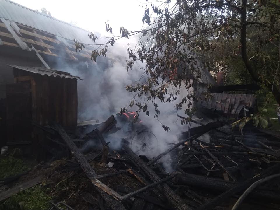 На Володимиреччині рятувальники ліквідували пожежу у приватному господарстві
