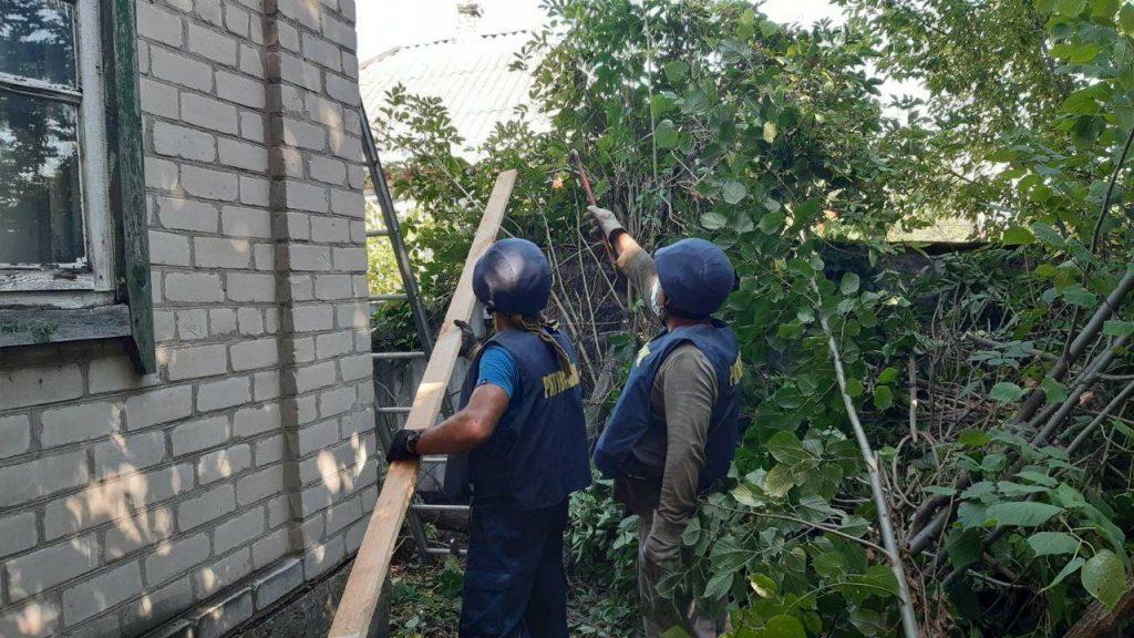 На Донеччині загін рівненських рятувальників у складі об'єднаних сил продовжують відновлювальні роботи у прифронтових населених пунктах 2
